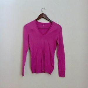 • fuscia GAP v-neck sweater •